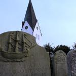 Die Kirche - Kern des Ortes Nebel