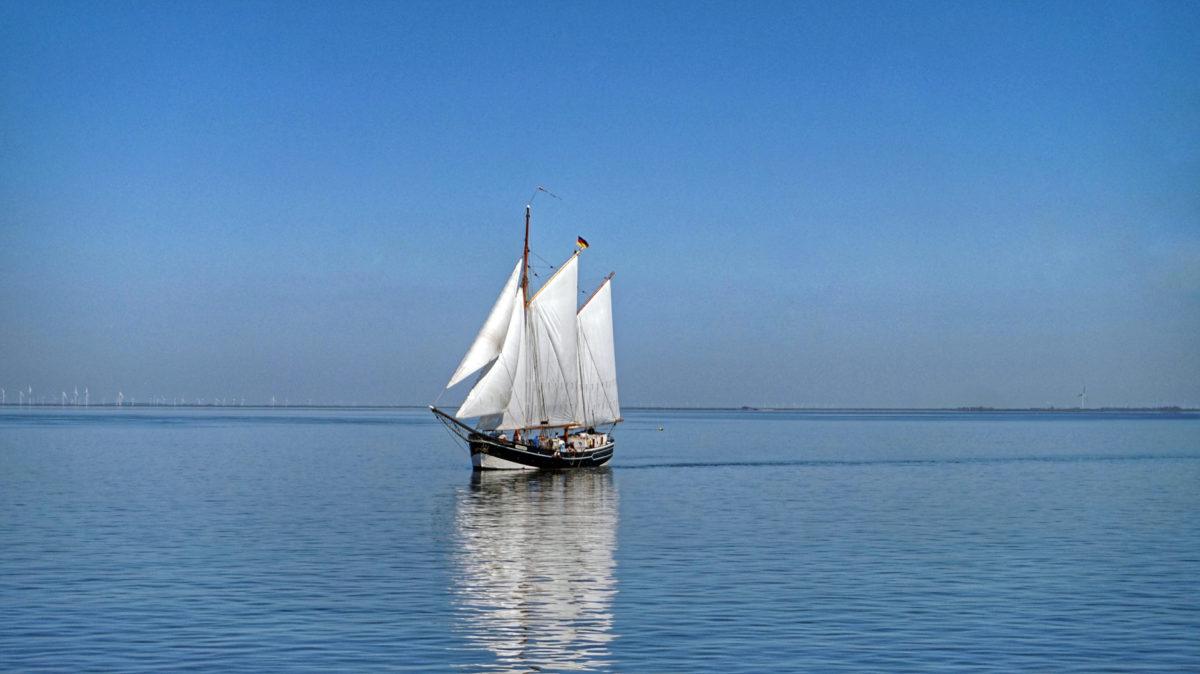 Segler im Wattenmeer auf dem Weg nach Amrum